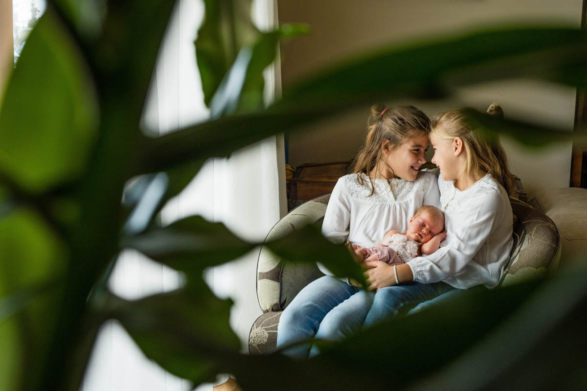ujszulott fotozas-Gyermely-Tata-babafoto-gyermekfoto-csaladi foto (
