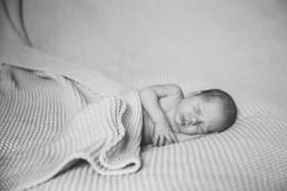 ujszülött fotózás, újszülött, saját otthon, Budapest, Esztergom, Dorog, Lábatlan, Érd, Diósd, Zugló, fotózás, baba fotózás, Kistarcsa, Kismama fotózás, Dorog
